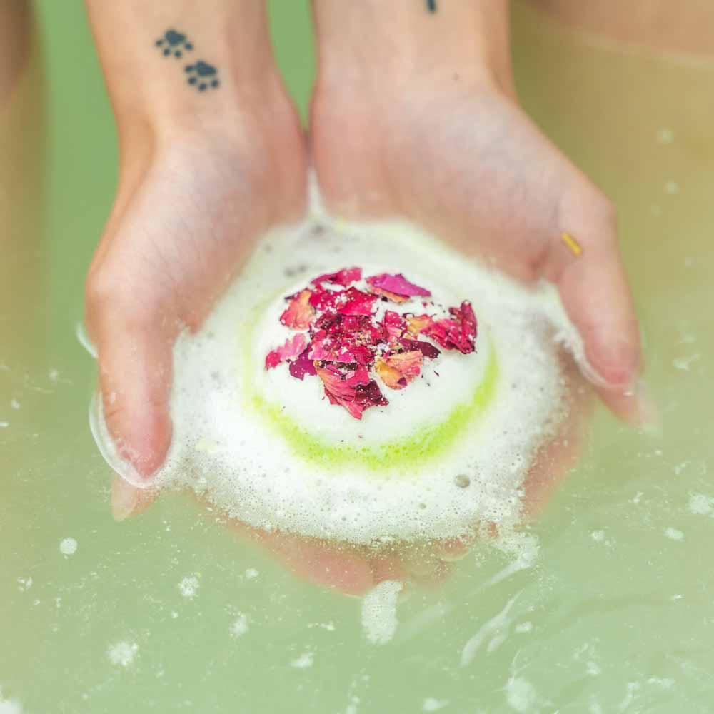 Peppermint & Eucalyptus CBD Bath Bomb